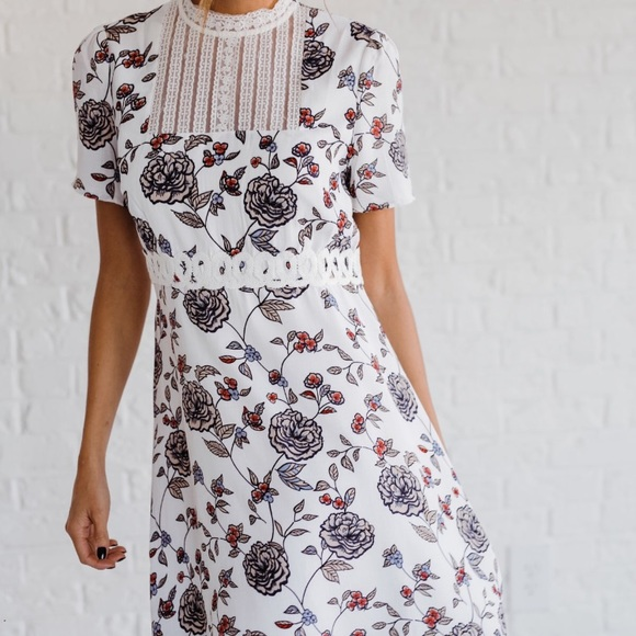 Dresses & Skirts - Floral Dress. NEW!